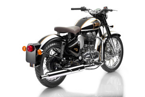 royalenfield_classic500_chromeblack_001